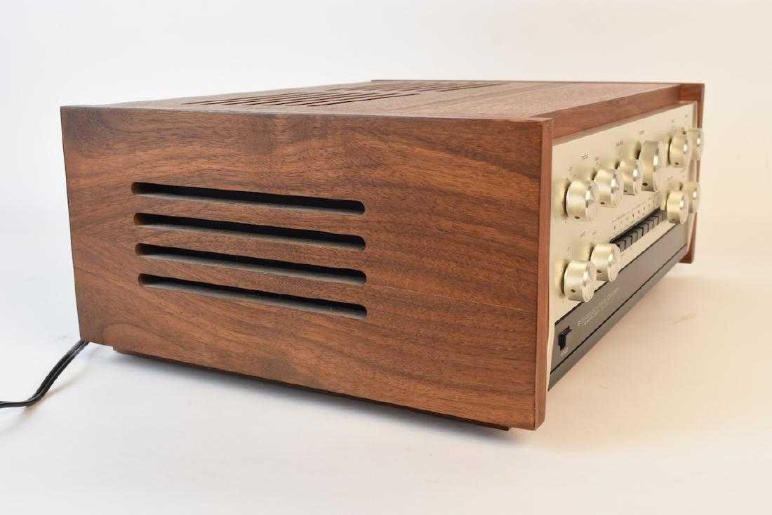 TEAC Accuphase C-200 Stereo Control Center - 7