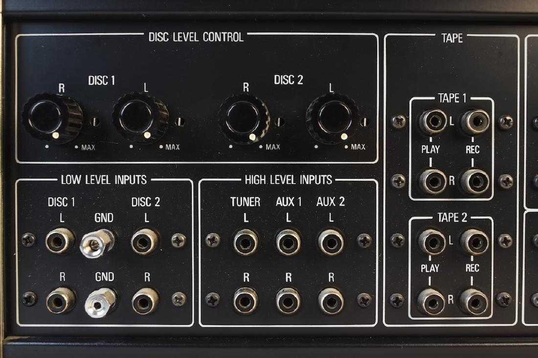 TEAC Accuphase C-200 Stereo Control Center - 9