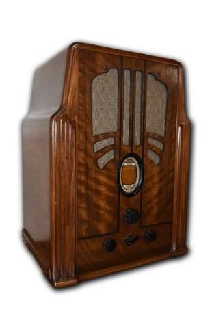 1930s Philco Tombstone Radio