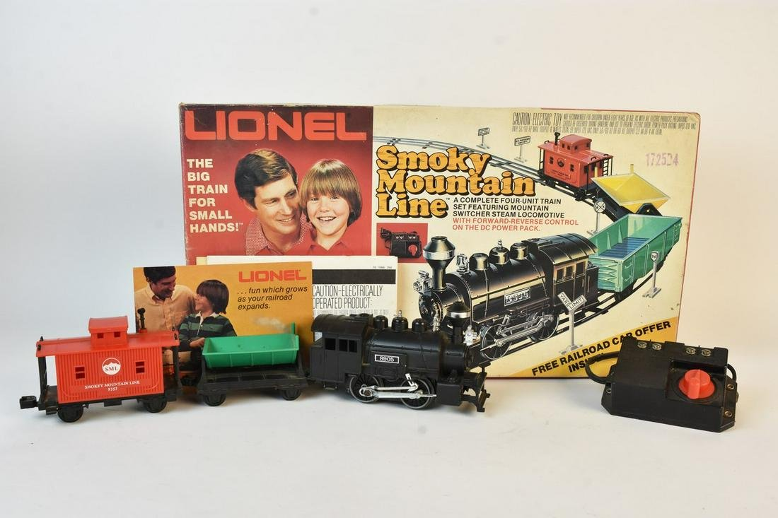 Lionel Smoky Mountain Line Electric Train Set in Box