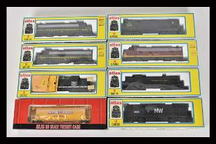 (8) Atlas HO Scale Train Cars/Engines