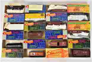(12) Roundhouse HO Scale Model Trains