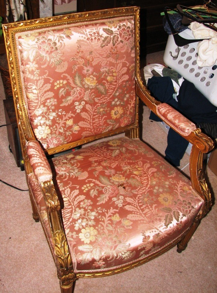 21: Antique Ornate Gold Chair