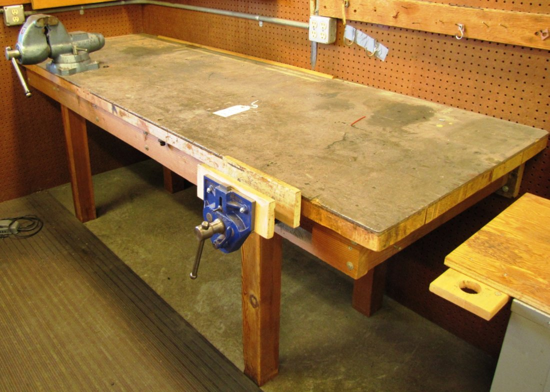 20: Work bench with attached vises