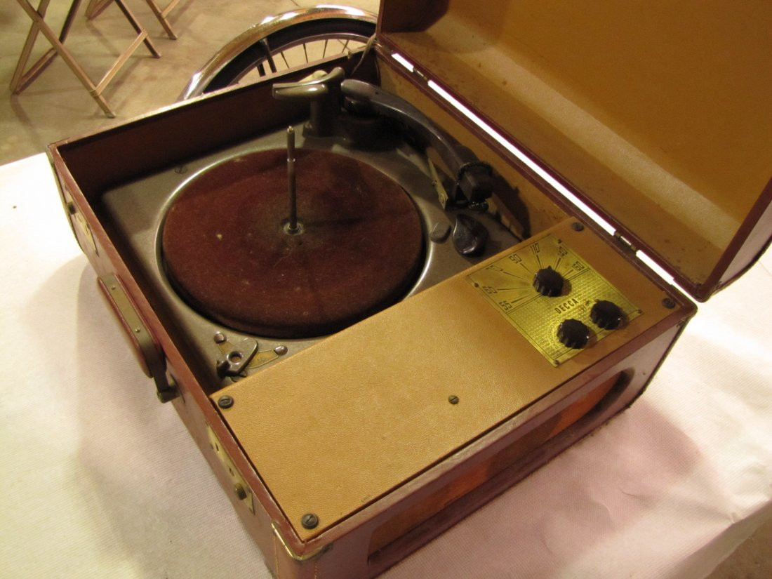 15: Portable Decca phonograph radio combo