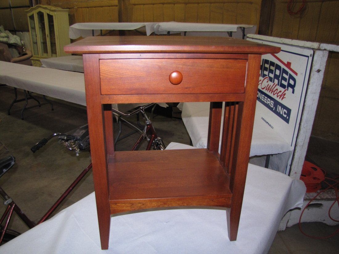 19: Ethan Allen oak end table