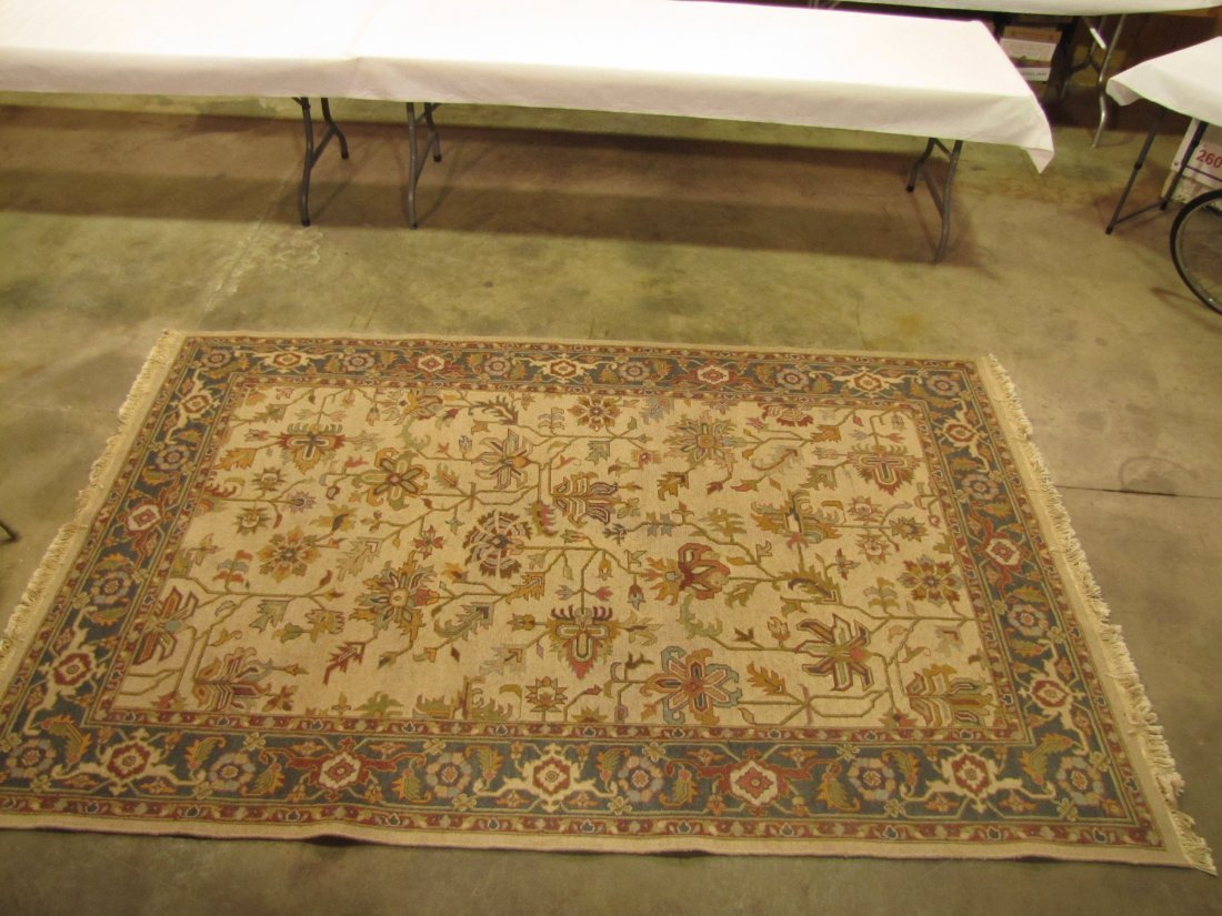 22: 100% Indian wool pile rug