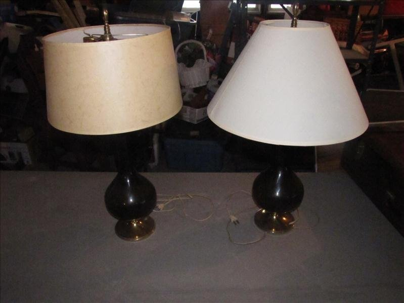 4: Pair of matching table lamps