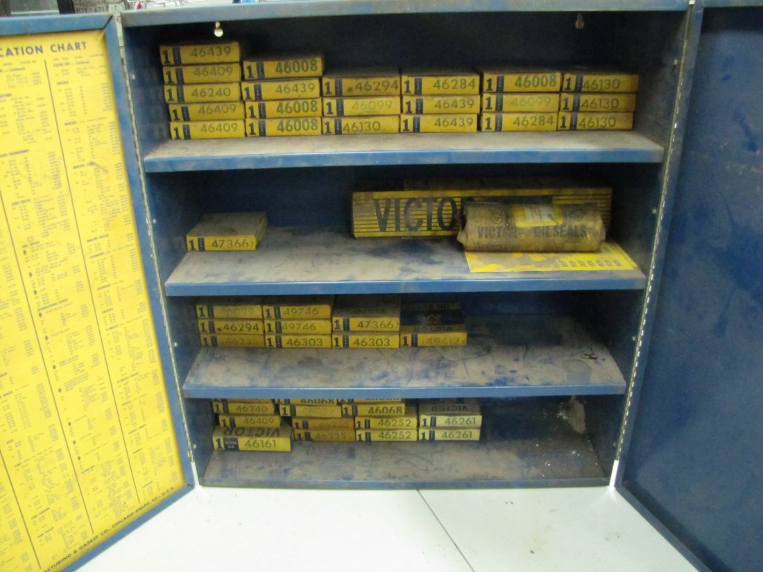 85: Victor Oil Seals Advertising Cabinet - 5