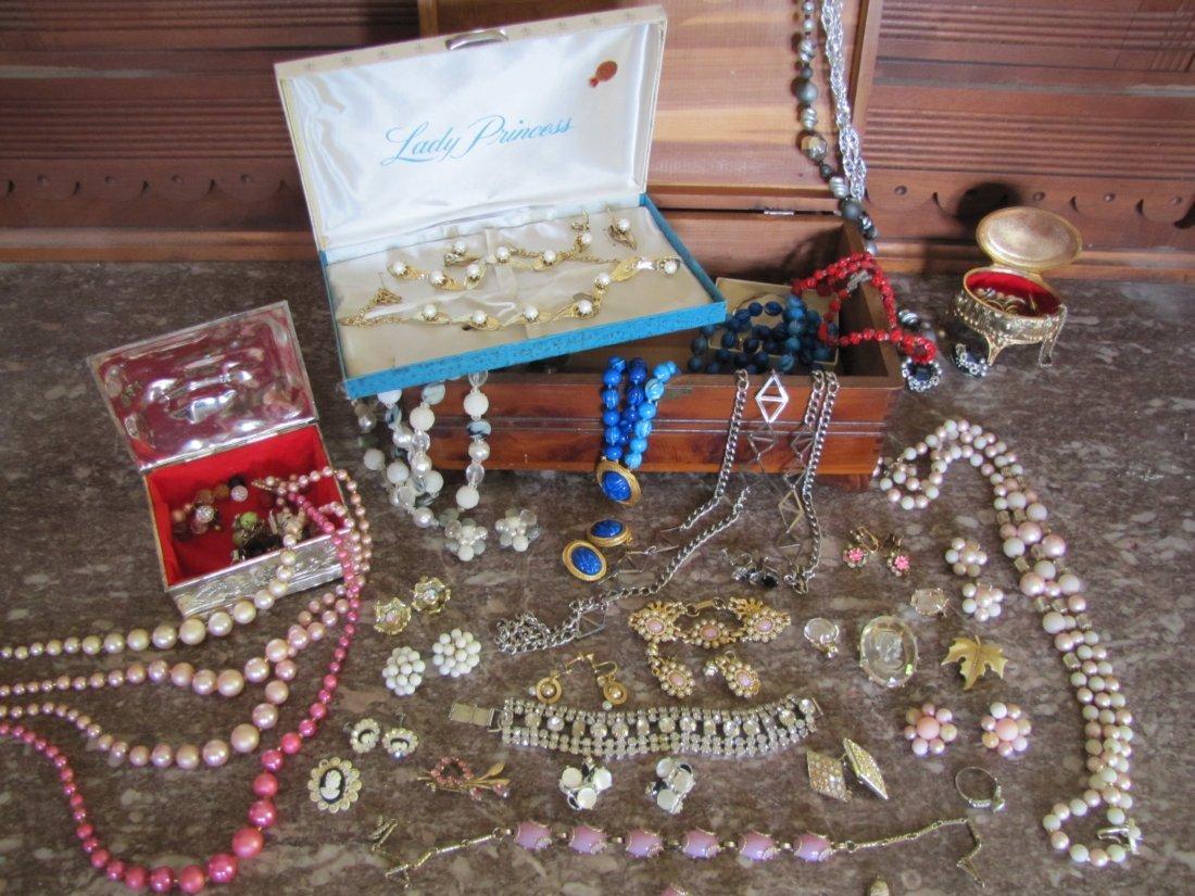 55: Lot of Vintage Costume Jewelry