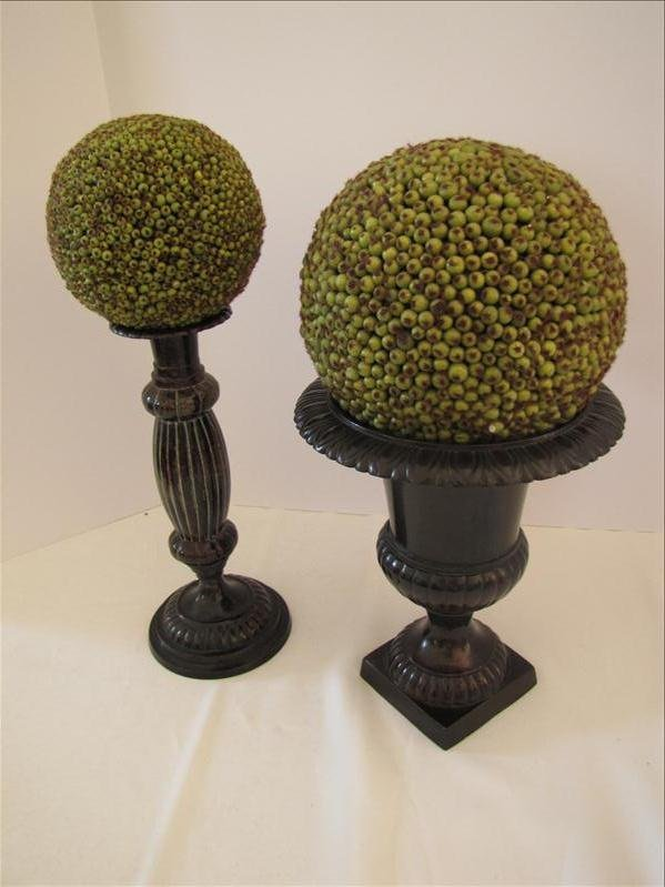 11: Pair of Home Decorative Pieces