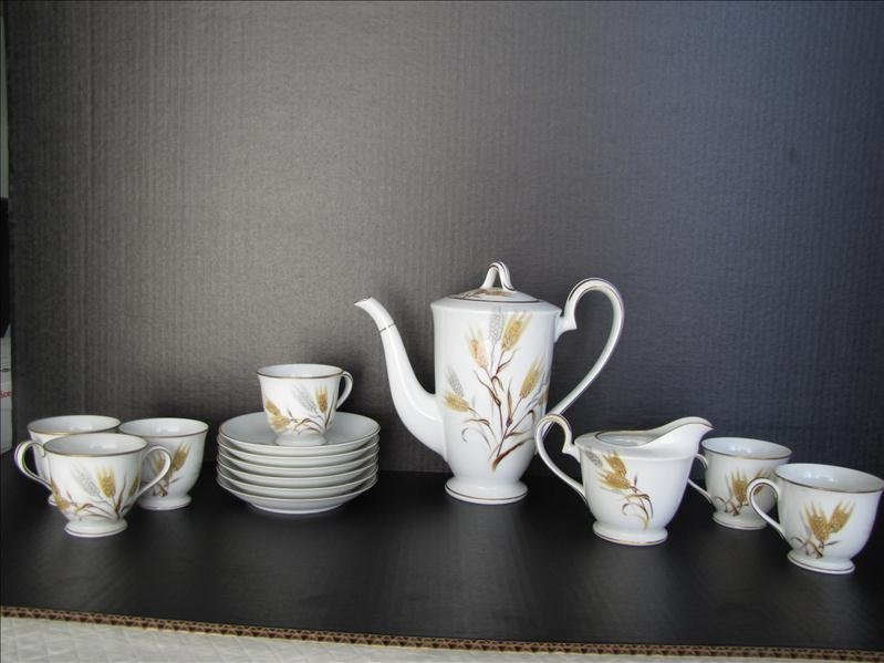 10: Noritake China Wheat Pattern Tea Set