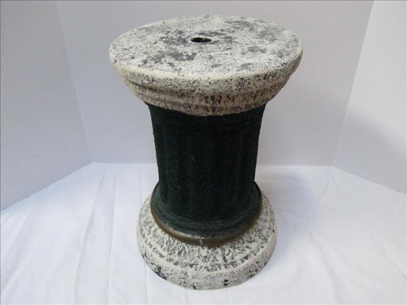 6: Lawn Art Roman Style  Pillar