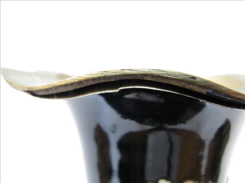 13: Korean Flower Design Vase