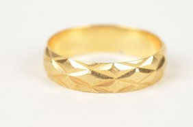 50E: 18K Yellow Gold Band