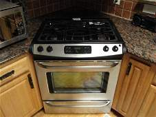 156: Frigidaire Stainless Steel Gas Oven Stove