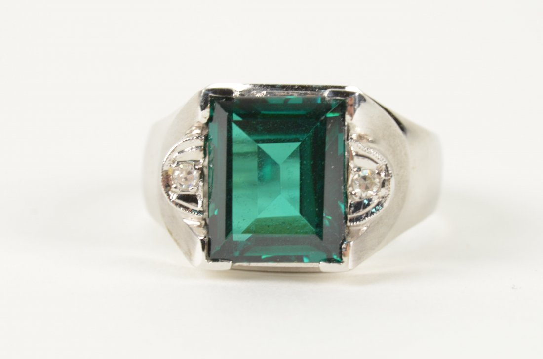 127: Men's 10K White Gold Emerald Ring