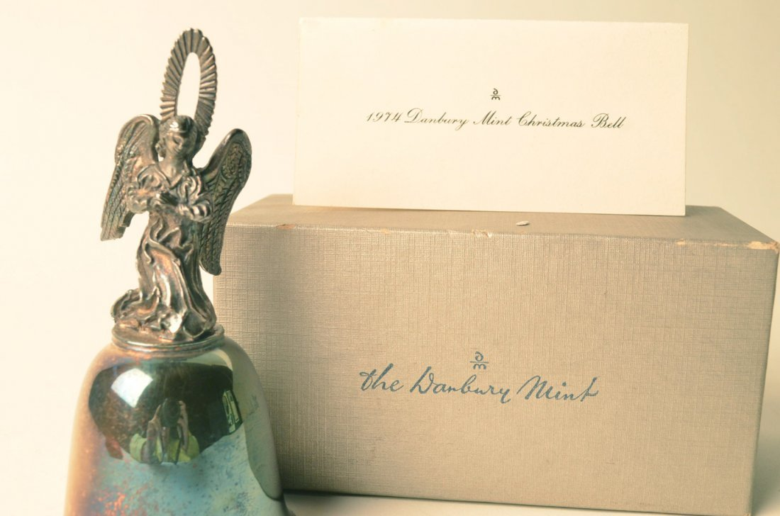 159L: 1974 Danbury Mint Angel Bell in Original Box - 5