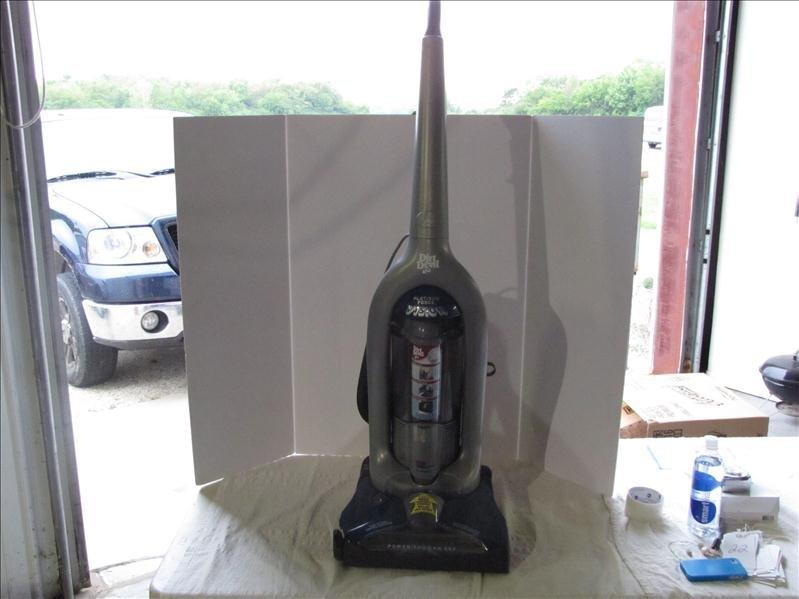 22: Dirt Devil Platinum Force Vision Vacuum Cleaner