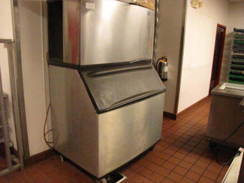 30: Manitowc Ice Machine With Retention Basin