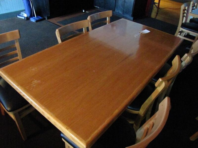 4B: Restaurant Table and Chairs