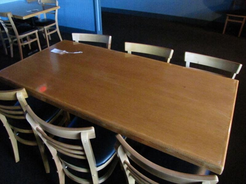 4D: Wood Top Restaurant Table w/ 6 Chairs