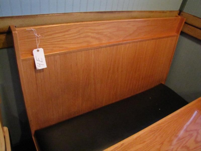 4E: Restaurant Booth