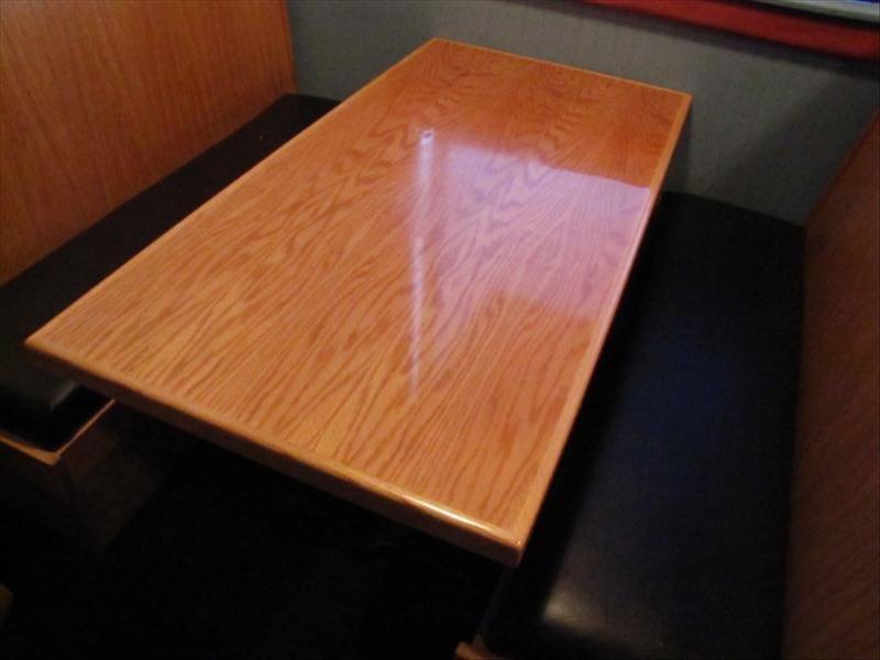 4F: 5 Foot Wood Top Restaurant Table
