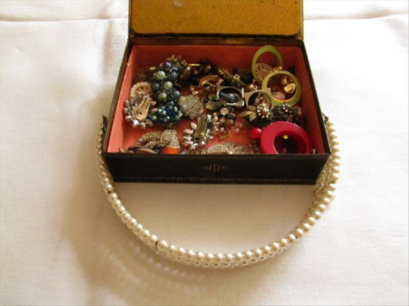 12: Large Lot of Miscellaneous Jewelry