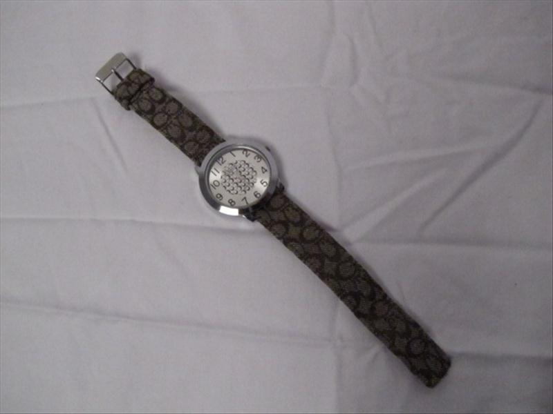 3: Ladies Coach Wrist Watch