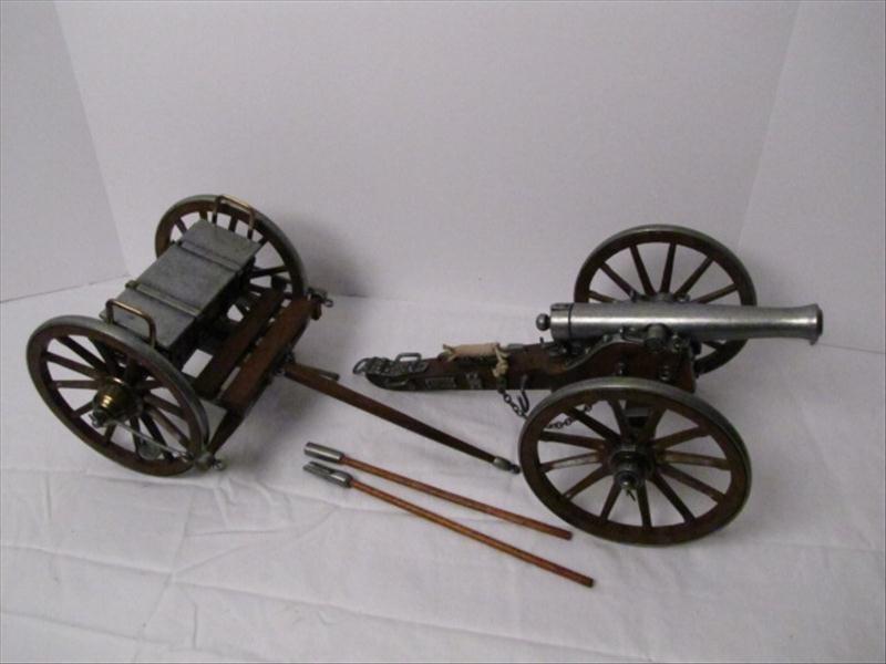 16: Precision Replica of 1861 Dahlgren Artillery Cannon