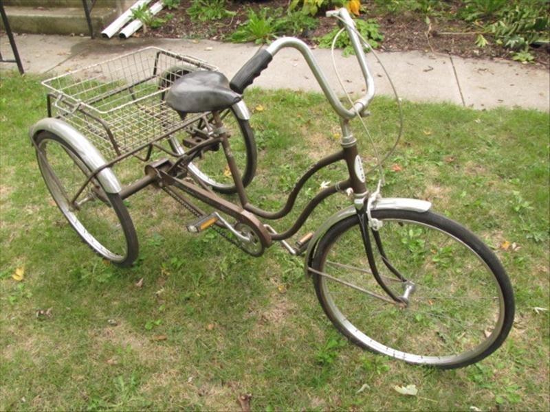 53: Vintage Schwinn Tricycle - 2