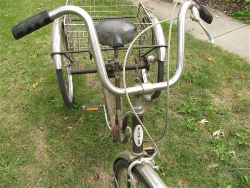 53: Vintage Schwinn Tricycle - 3
