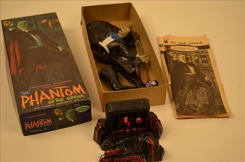 12: Phantom Of The Opera Model Toy