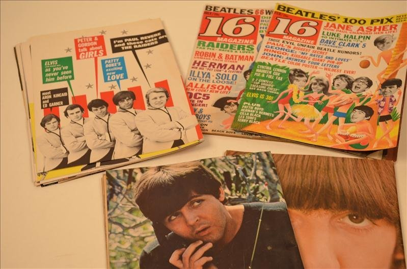 "16: ""16"" Beatles Magazines w/ Poster Pin Ups"