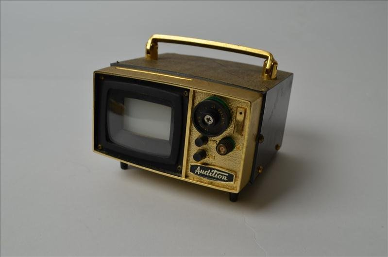 11: Audition Television Transistor Radio/Viewer