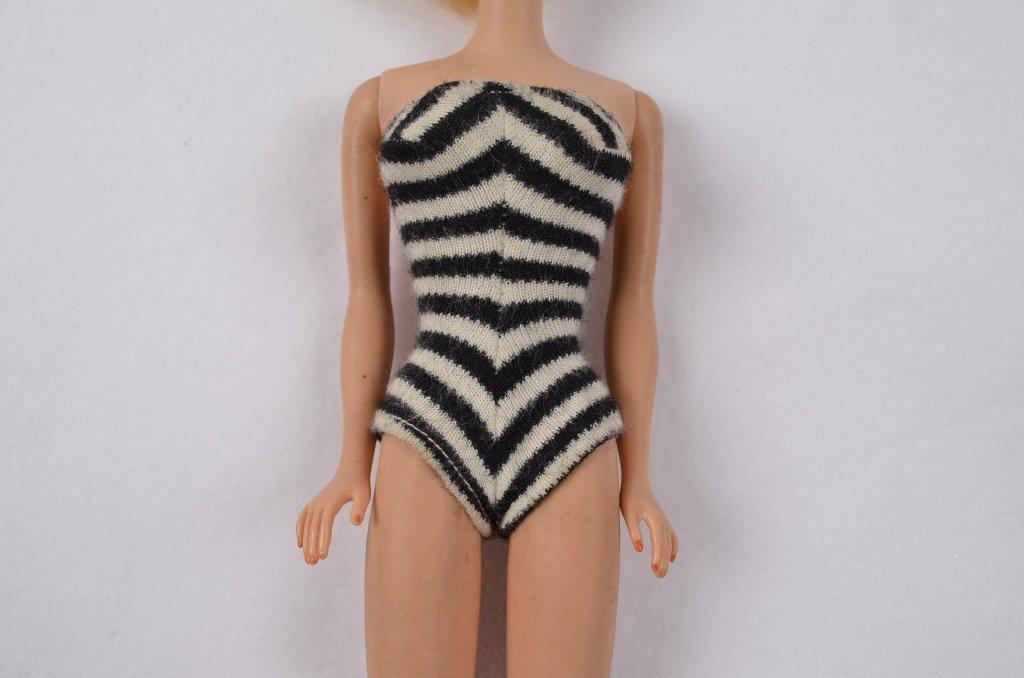 1962 Midge Barbie Doll w/ Original Bathing Suit - 4