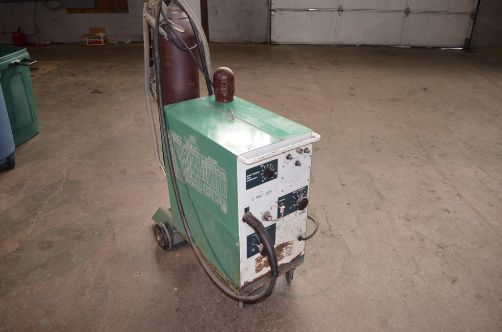 L-Tech 225 Wire Feed Mig Welder