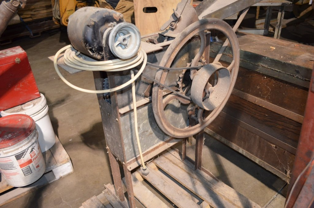 Walnut/Corn Sheller