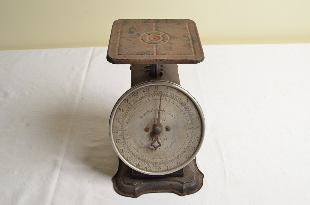 "Simmons Hardware Co. ""Sterling"" 24lbs. Scale"