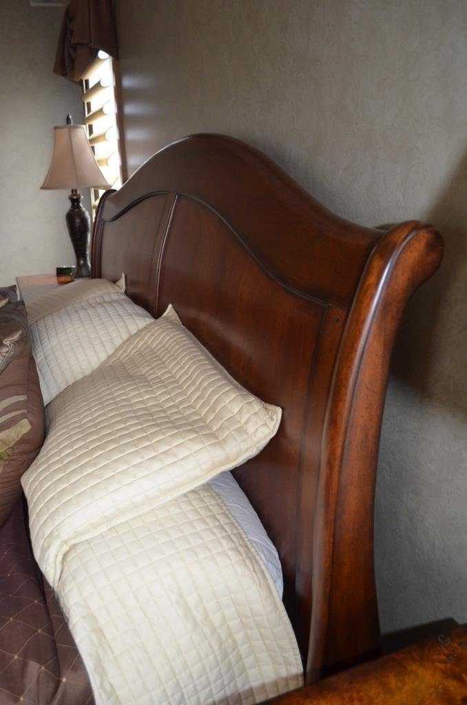 King Size Mahogany Sleigh Bed W/ Bedding - 5