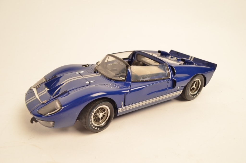 Exoto 1:18 Die Cast Model Ford GT40