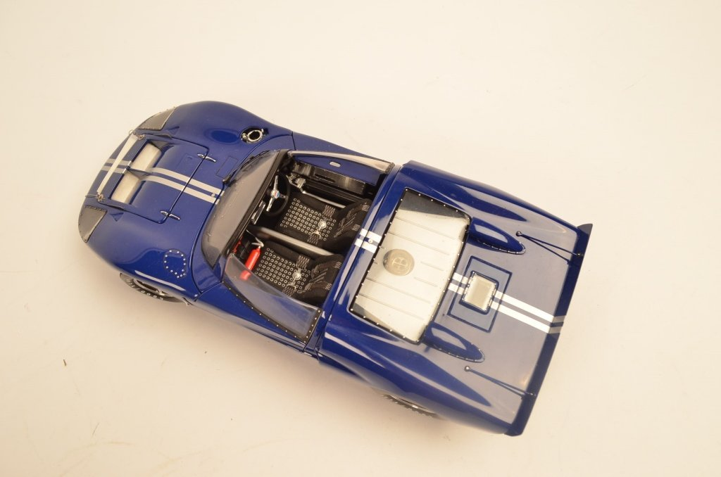 Exoto 1:18 Die Cast Model Ford GT40 - 2