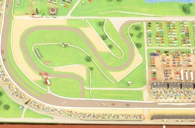 Danbury Mint Indianapolis Motor Speedway Replica - 3
