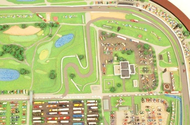 Danbury Mint Indianapolis Motor Speedway Replica - 5