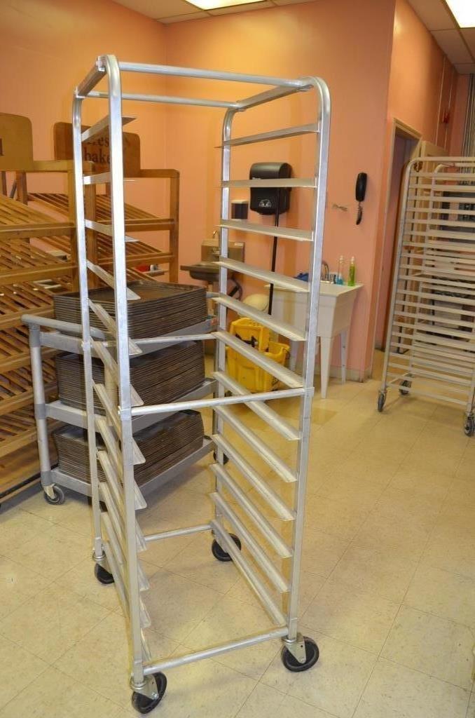 12 Straightboard Bakery Pan Cooling Cart