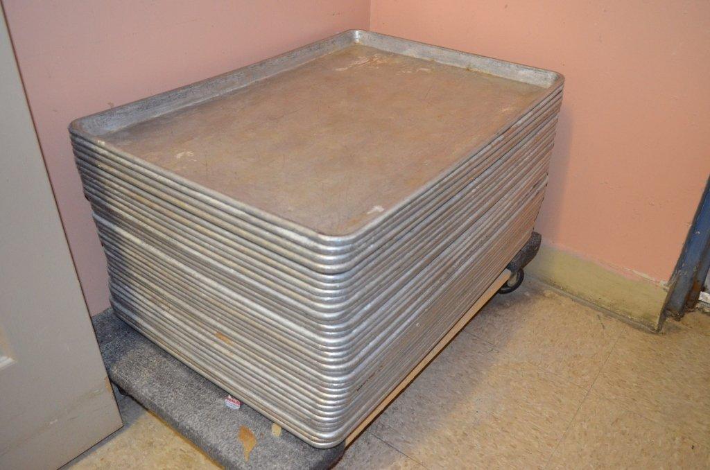 (32) Aluminum Commercial Baking Sheets