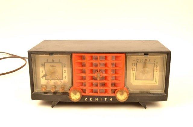 Zenith Alarm Clock Radio Model Y519