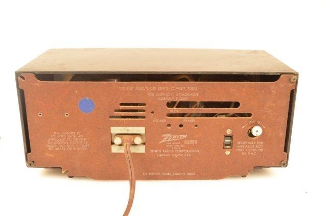 Zenith Alarm Clock Radio Model Y519 - 2