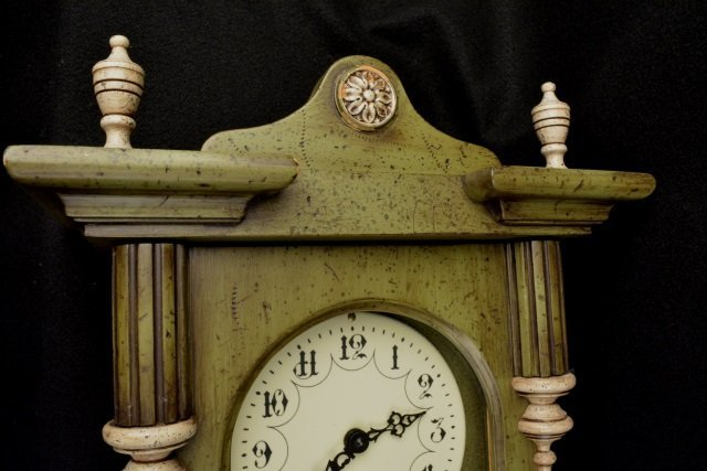 *P.F Bollenbach Regulator Wall Clock W/ Key - 2